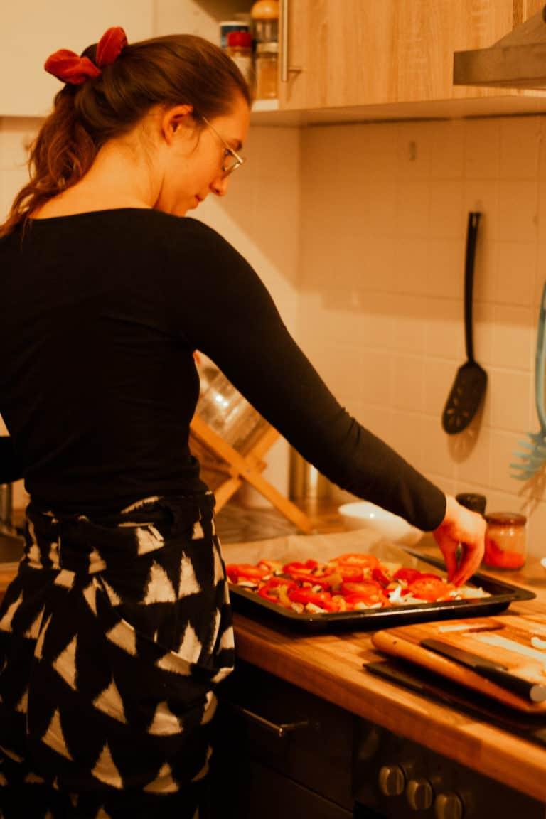 Corinna macht Polenta-Pizza