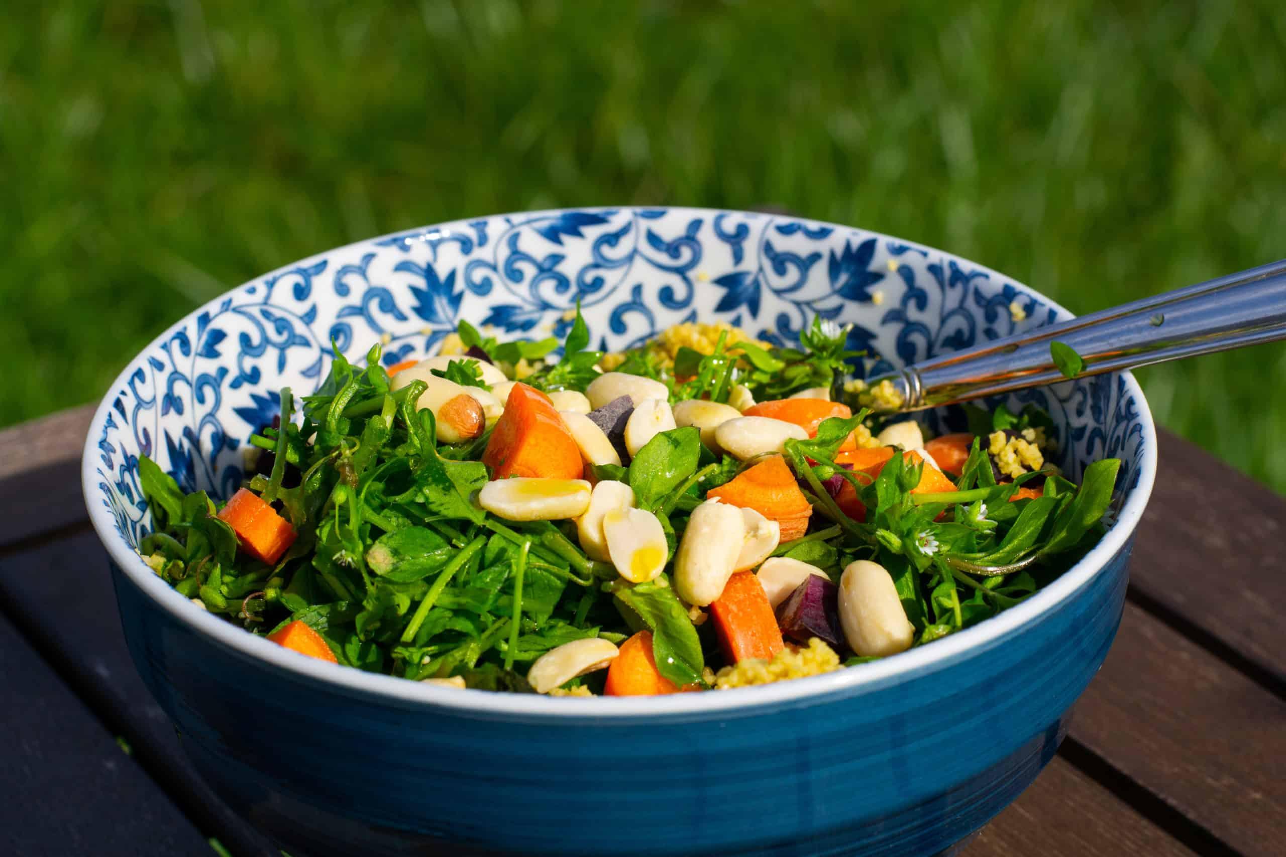 Foto Couscous-Salat mit Algen und Vogelmiere