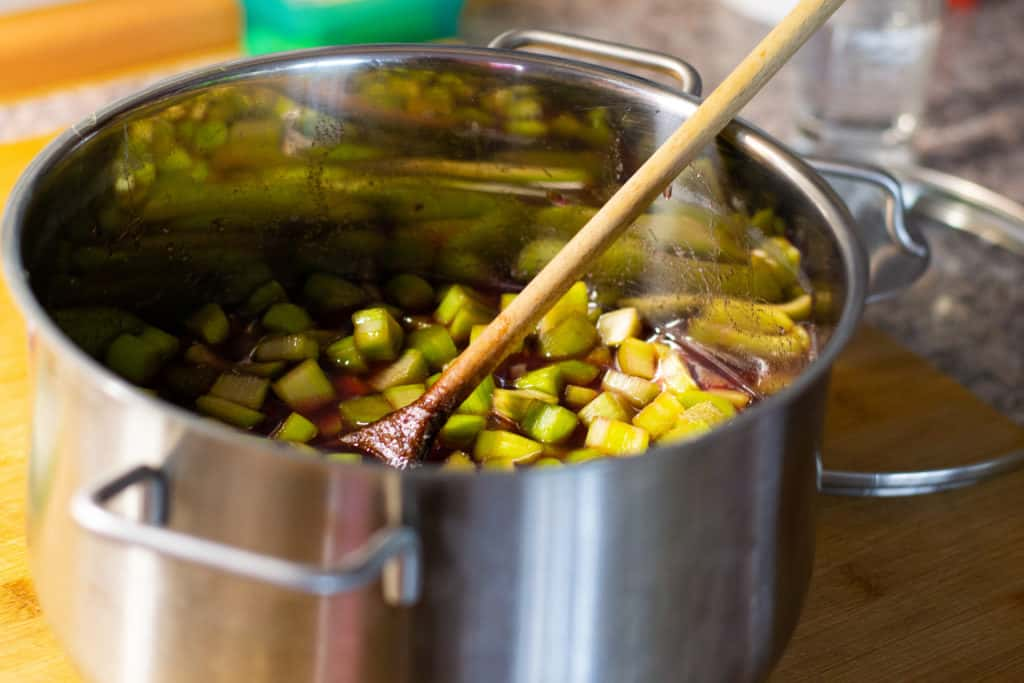 Rhabarber-Marmelade kochen