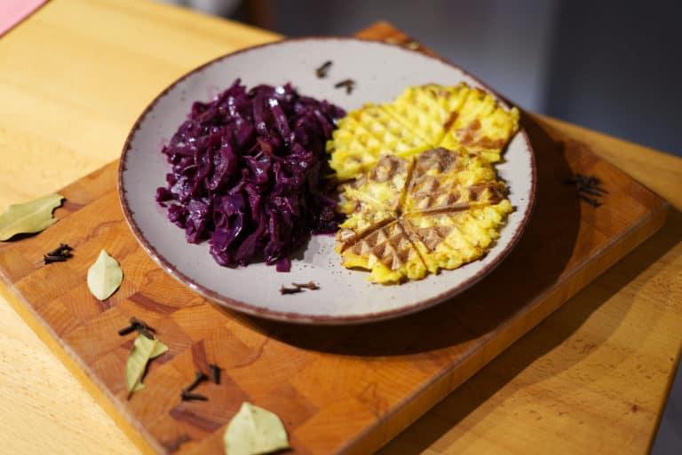 Rezept: Rotkohl mit Kartoffelwaffeln